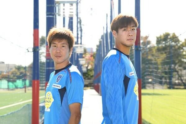 スクールからU-18までFC東京で育ってきた三田(左)と矢島(右)が、チームの一体感をもたらす「FC東京愛」を語った