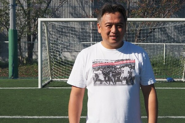 メロンパン販売以後、山田隆裕はどんな人生を歩んできたのか。現在はサッカーとの関わりも増えている