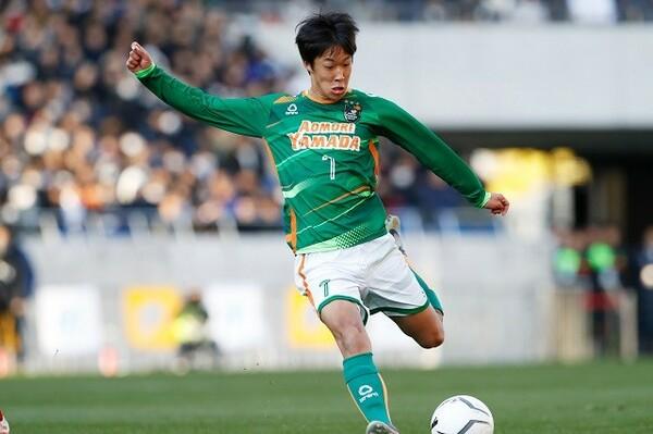 武田英寿の強みといえば、プレーのレパートリーの豊富さ。浦和に内定している