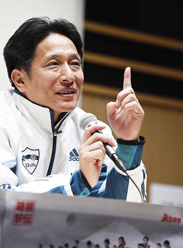 青山学院大学が、原晋監督のもと駅伝改革プロジェクトを推し進め、2008年に33年ぶりの箱根復活。さらに14年から4連覇という偉業を達成。