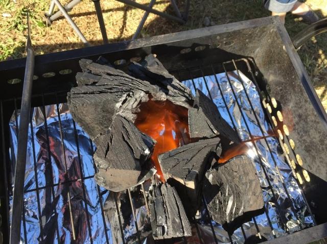 バーベキューでかんたんに火をつける豆知識「煙突効果」