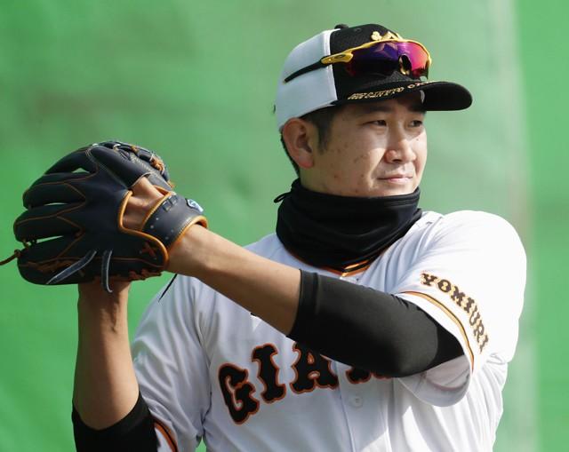 新投球フォームで菅野が復活を目指す