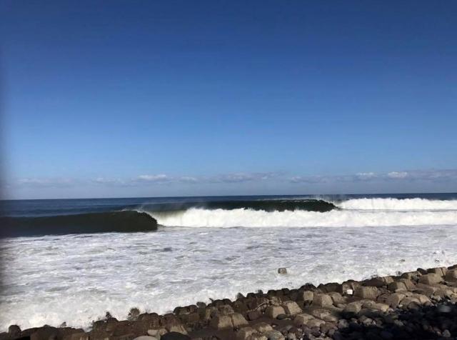 日本海は波の宝庫。