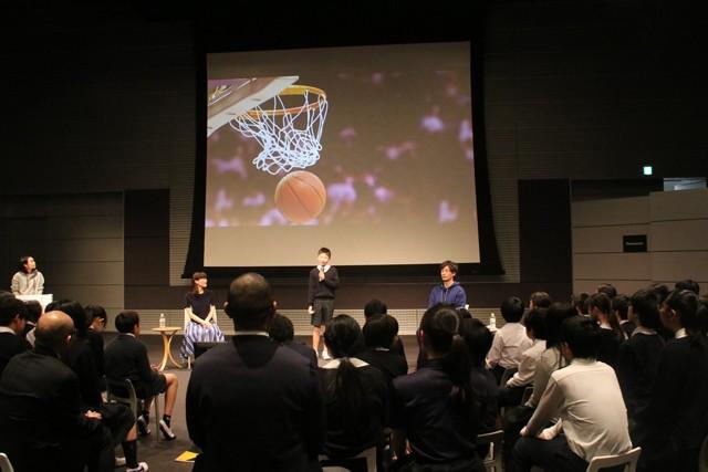 「夢と挑戦」をテーマに児童による発表が行われた