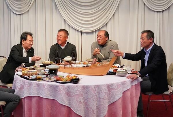 ライオンズ「黄金時代」のメンバーが集結。左から東尾修、辻発彦、渡辺久信、石毛宏典