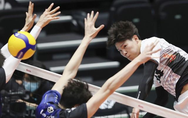 無名の新人からバレーボール日本のエースへ――西田有志、20歳の成長を追った
