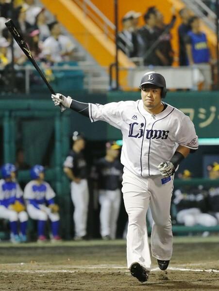 柳田のライバル一番手に挙がる山川。今季から背番号3に変わったレオの大砲は、3年連続のホームランキングを目指す
