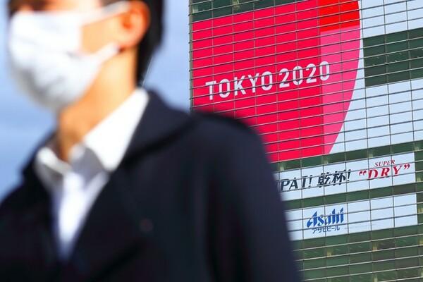 新型コロナの影響は大きく、7月に開催予定だった東京五輪は、1年以内の延期が決まった