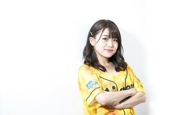 """2011年に音楽界へ""""プロ入り""""した河野万里奈さん。関西学院大出身。148センチ、右投げ右打ち"""