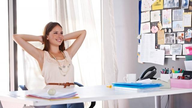 仕事前や休憩時に心身スッキリ!セットでやりたい簡単ヨガ&瞑想