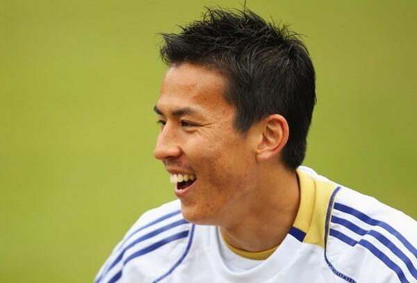 2010年南アW杯の約2週間前に告げられたキャプテンマークという重役。当時26歳、年上選手が多く控えるチームで長谷部が意識したこととは