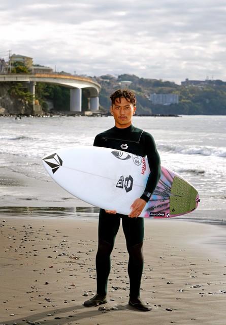 サーフィンの村上舜選手