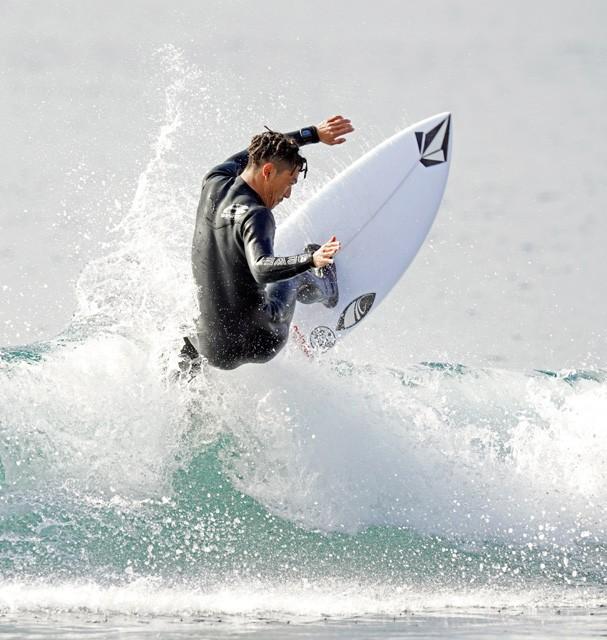 技|サーフィン 村上舜のオフザリップ