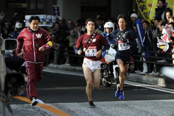 2011年の箱根駅伝、早稲田大・渡辺監督(写真左端)の「覚悟」を感じたという