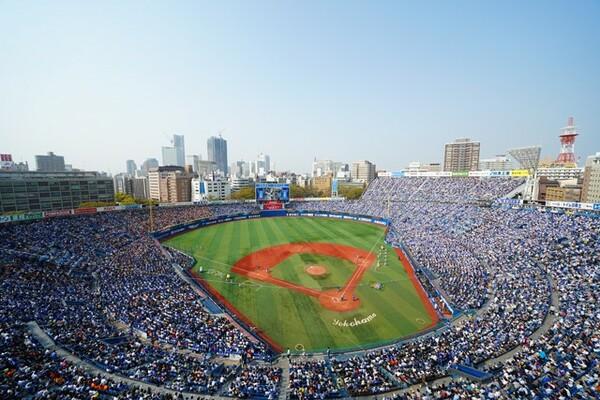 青空の下で行われるはずの野球が、5月になっても始まらない。コロナ禍の今、DeNAベイスターズはどのようなことを考えているのだろうか