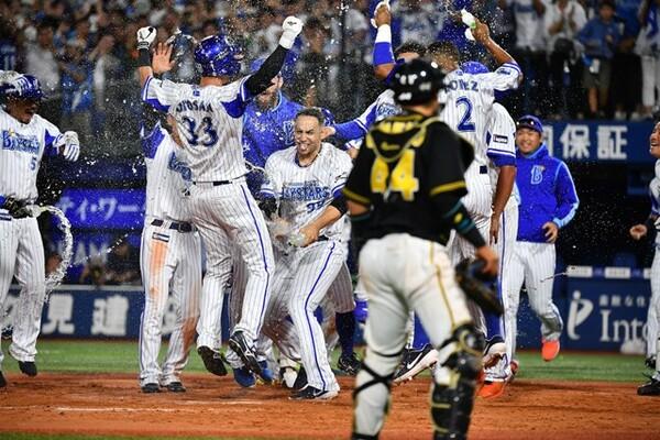 """開幕できたとしても、無観客試合や入場制限は避けられない。そんなアフターコロナ期にDeNAベイスターズが描く""""次の野球""""とは?"""