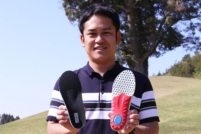 高機能スポーツインソール『エナジーアルファ』を検証 ゴルフは足元が大事?