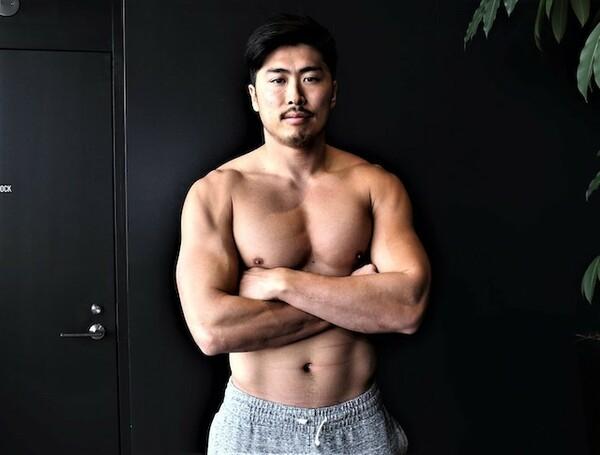 日本人離れした体格を誇る栗原。「デカくて強くて足も速い」を体現する驚異の肉体だ