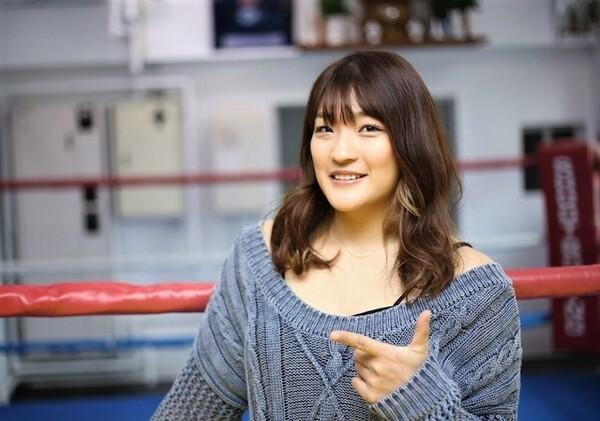 「ツヨカワクイーン」として女子格闘技界を引っ張るRENAに、自身のトレーニング理論について聞いた