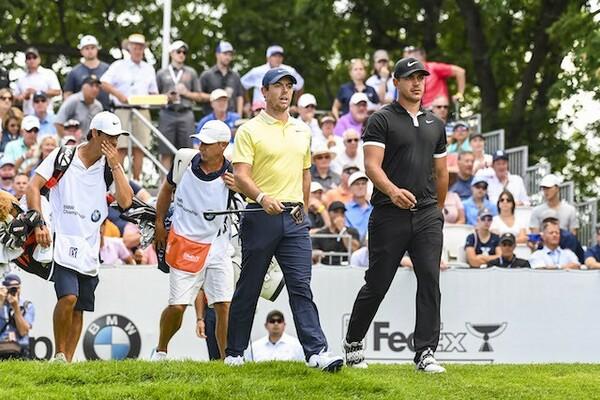PGAツアー再開初戦となる「チャールズ・シュワブチャレンジ」に世界トップ5が顔を揃(そろ)えた。予選Rではマキロイ(写真左)とケプカ(写真右)が直接対決
