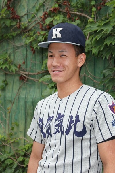 中学時代、初めて笠島の投球を見た時のことを振り返る松村