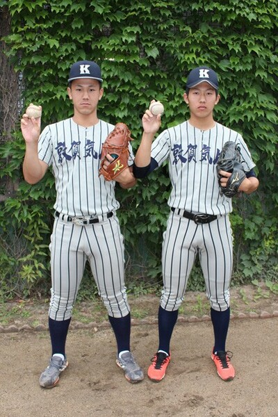 笠島(写真右)は自分よりもフィジカルに優れた松村(写真左)が敦賀気比に入学してくると聞き、焦りを感じていた