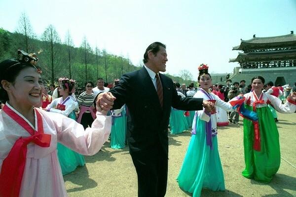 北朝鮮のプロレス開催は、亡き力道山の夢。それを弟子の猪木が実現した