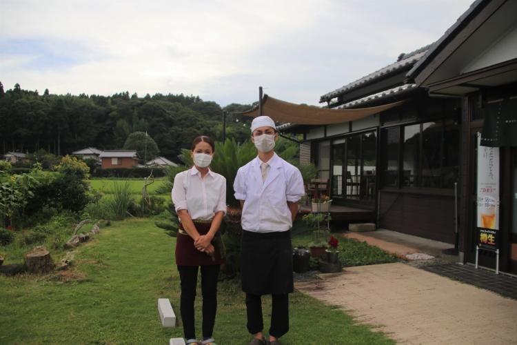 レストラン朱鷺を営む土岐夫婦
