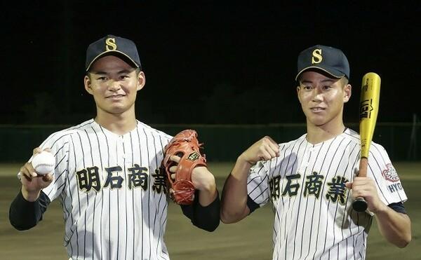 1年夏から甲子園で躍動を見せ続けた来田(右)は、高校野球最後の試合でどんなプレーを見せるか