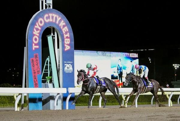7月のジャパンダートダービーを制したダノンファラオを下した実績のあるデュードヴァンなどが出走するレパードステークス。競馬AIはどの馬を本命に挙げたのだろうか?