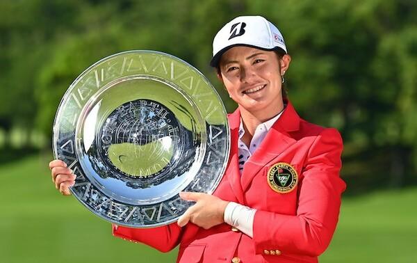 今年の国内女子ツアー開幕戦で5年ぶりの優勝を手にした渡邉彩香