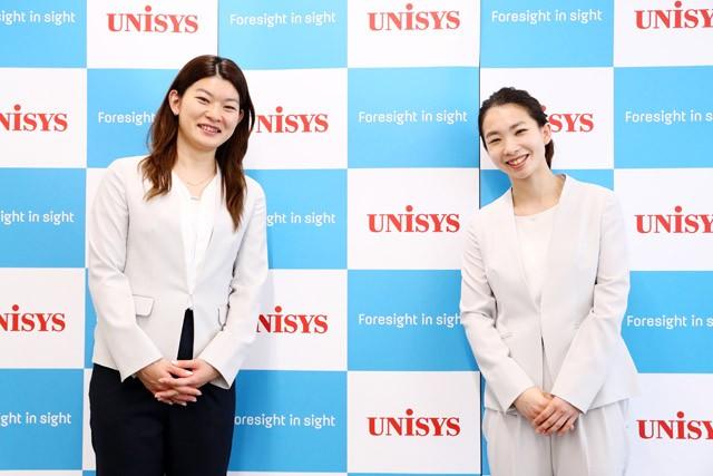 会見は高橋礼華(写真左)と松友がそろって行われた