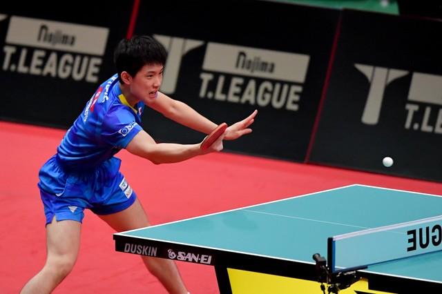 来年の東京五輪でエースとしての活躍が期待される張本は2連勝。大会を大いに盛り上げた