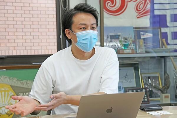 山辺さんは動画配信の『SHOWROOM』でビジネス関連の責任者を務め、今年3月からベイスターズにやってきた