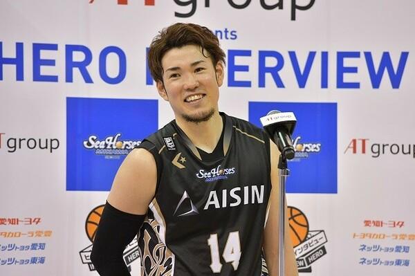 昨季最終戦となった横浜戦で45得点と大暴れした三河の金丸晃輔。負け越して終わったチームが上位に食い込むには彼の活躍が必須だ