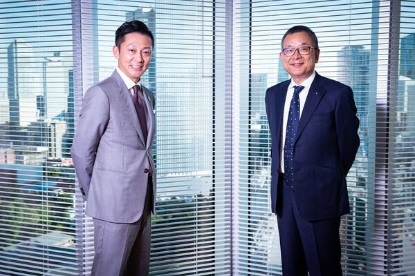 共に他業種からスポーツ業界へやってきた島田チェアマン(左)と村井チェアマン(右)