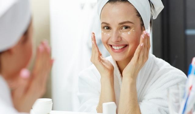 乾燥する冬のスキンケアにおすすめの保湿化粧品7選! お手入れの方法やポイントもご紹介