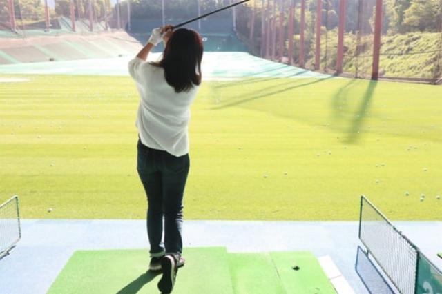 【ゴルフ初心者の女性への教え方】 女性の動きで原因を読み、アドバイスはとにかくシンプルに!