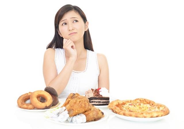 ダイエット中におすすめ!!押すと空腹感がおさまる「ツボ」2選