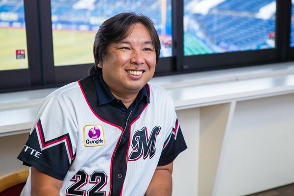 キャッチャーをしていたからか、俯瞰(ふかん)して全体を見る能力に長けている里崎氏。彼もチームをけん引していた一人だ