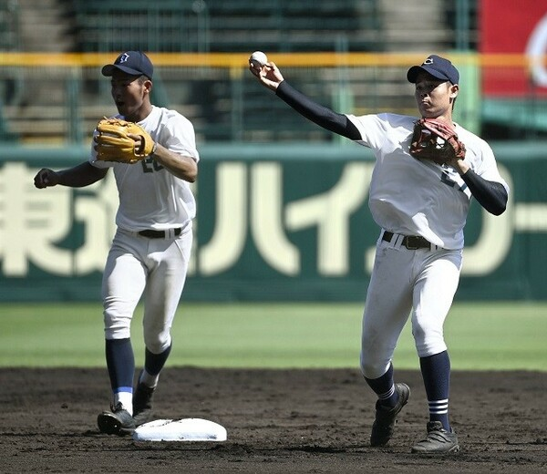 中京大中京・中山(右)や近江・土田(左)ら、将来性豊かな野手を補強したい