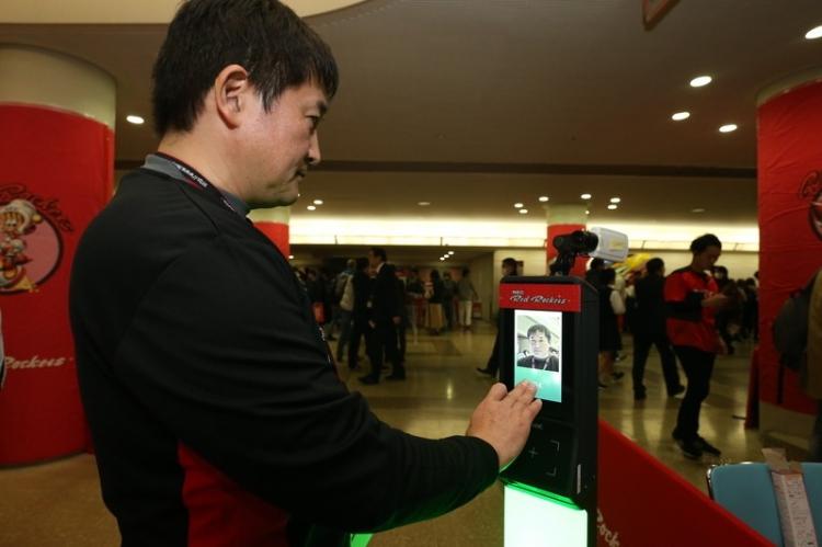 再入場ゲート・関係者専用ゲートに導入する顔認証システム