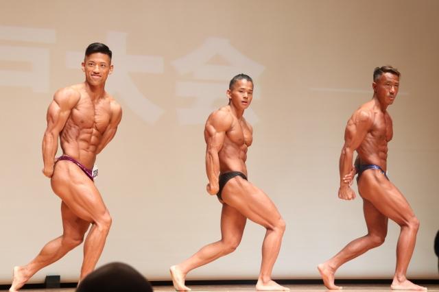 ライバルの助けもあり宇佐美一歩(中央)は2クラス制覇を達成