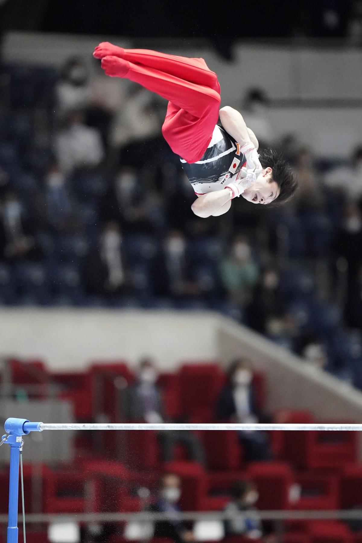 東京五輪は鉄棒での出場を目指す内村。大会ではH難度の大技「ブレットシュナイダー」を成功させるなど好演技を見せた