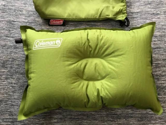 アウトドア用の枕選びはコレで決まり!使い勝手の良い【Coleman】コンパクトインフレーターピロー