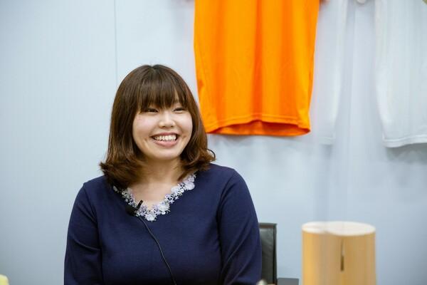 入社してからは経理担当だった橘麻美さん。3年前からグッズ製作に携わるようになった