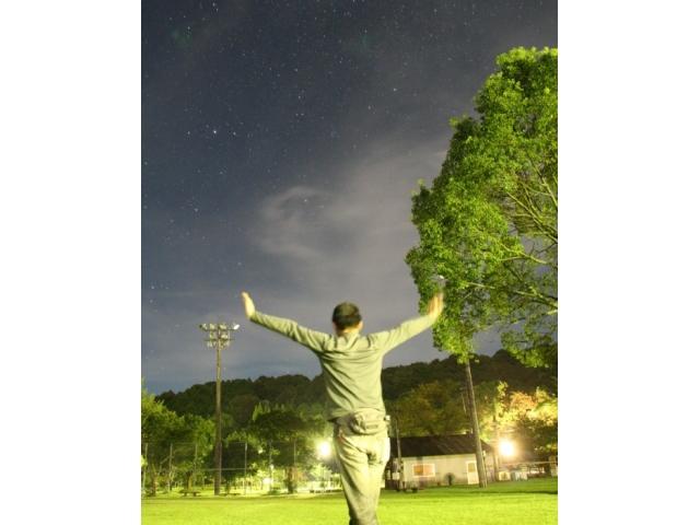 月明かりをフラッシュ代わりに使って昼間のようなスナップ写真を撮ろう