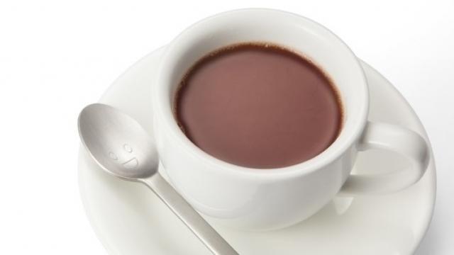 肌荒れの原因は水分不足?コーヒーやお茶では補えていない!?