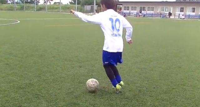 【サッカー練習メニュー】ドリブル練習_インサイド・アウトサイド