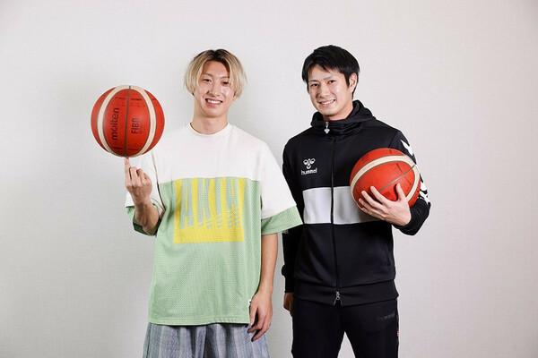 YouTuberとして人気のともやんさん(左)と、現在は京都ハンナリーズで活躍する寺嶋良選手(右)